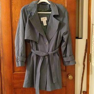 EUC vintage dark green trenchcoat